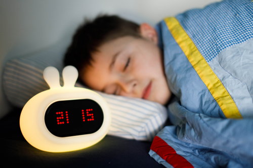 InnoGIO Silikonowa lampka nocna z budzikiem GIOrabbit GIO-135  (9)