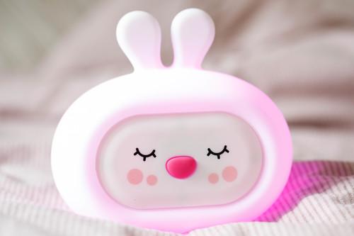 InnoGIO Silikonowa szumiąca lampka nocna GIOsleepy Bunny GIO-134 (19)